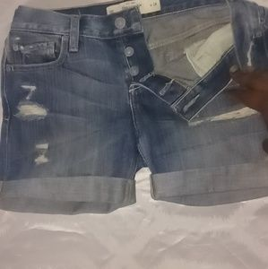 Abercrombie and Fitch 3 button distressed shorts